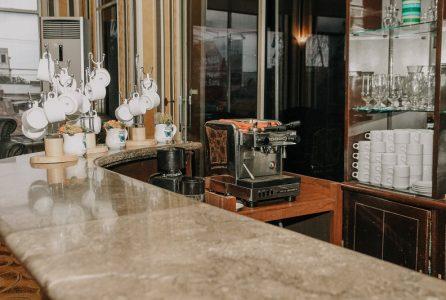 Lounge Bar (2)